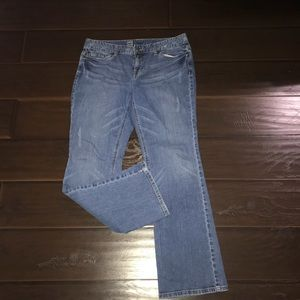 Mossimo curvy fit Bootcut 10S Jeans